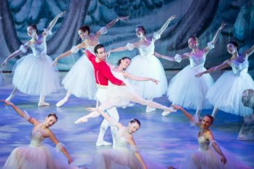 Boulder-Ballet_Nutcracker_photo-by-Eli-Akerstein_2-640x427